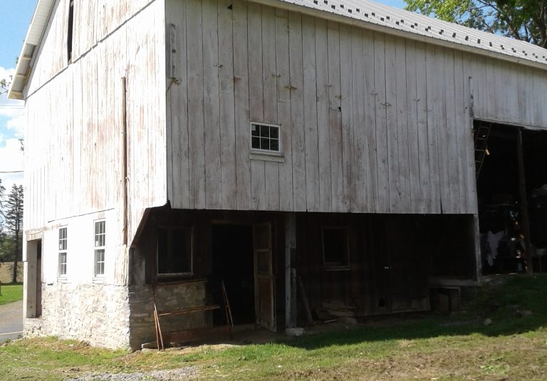 old barn before renovation